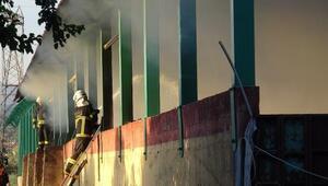 Zeytinyağı tesisinde çıkan prina yangını 2 saatlik çalışmayla söndürüldü