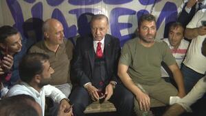 Cumhurbaşkanı Erdoğandan minibüs durağı ziyareti