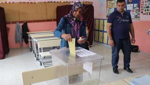 Honazlılar oy vermeye başladı
