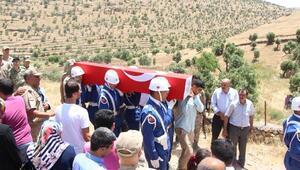 Şehit Sait Barış, Kürtçe ağıtlarla son yolculuğuna uğurlandı