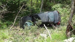 Otomobil uçuruma yuvarlandı: 2 yaralı
