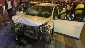 Kartalda iki otomobil kafa kafaya çarpıştı: 8 ağır yaralı