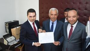 Keskin Belediye Başkanı Dede Yıldırım, mazbatasını aldı