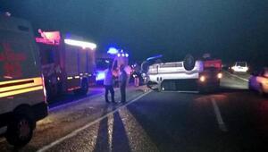 Buldanda minibüsle traktör çarpıştı: 3 yaralı