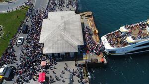 Bugün İstanbul... İnsan seli oluştu