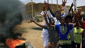 Sudanlı muhalifler ölü sayısının 100ü geçtiğini iddia etti