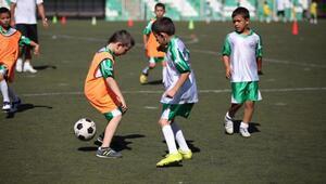 Bornovada yaz spor kursları başlıyor