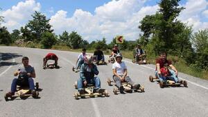 Bursada bayramda Tahta Araba Yarışları geleneği