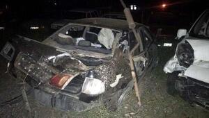 Kırıkkalede bariyerlere çarpan otomobil takla attı: 4 yaralı