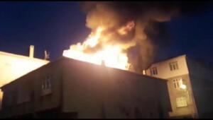 Sultanbeylide 2 katlı bina alev alev yandı