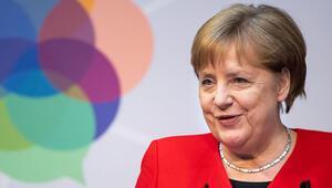 Üç farklı Merkel buluşması