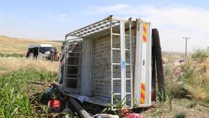 Tarım işçilerini taşıyan kamyonet devrildi: 5i ağır 35 yaralı
