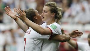 Ada rekabeti, Kadınlar Dünya Kupasına taşındı İngilizler galip...