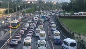 Bayram tatili sonrası ilk iş gününde 15 Temmuz Şehitler Köprüsünde trafik yoğun