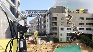ABDde bir binanın üzerine vinç devrildi