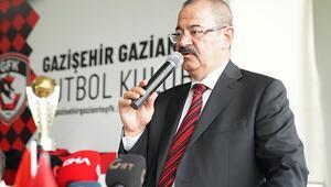 Gazişehir'de Adil Sani Konukoğlu yeniden başkan seçildi