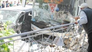 İşçi servisi ile belediye otobüsü çarpıştı: 10 yaralı