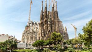 Kaçak yapılan Sagrada Familia'ya 127 yıl sonra inşaat izni