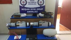 Kaçak elektrikle Bitcoin üretilen eve polis baskını