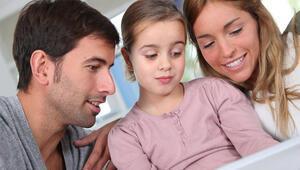 İngiliz yazardan ailelere öneri: Çocuklarınızla zaman geçirin