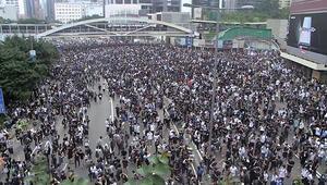 Hong Kongda zanlıların Çine iadesiyle ilgili düzenleme ertelendi