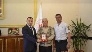 Büyükorhan'da Kıbrıs Gazisine madalya verildi