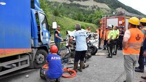 Sinopta kaza: 2 üniversiteli öldü, 1 kişi yaralı