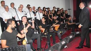Milli mücadelenin 100üncü yıl dönümü için halk müziği konseri