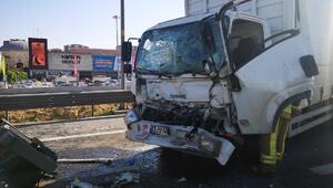 Pendikteki zincirleme trafik kazası temde trafik yoğunluğuna neden oldu