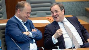 Merkel'e: İçişleri Bakanı'nı hemen görevden al