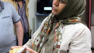 İranlı çift, buldukları içi para dolu cüzdanı polise teslim etti