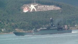 Rus savaş gemileri Çanakkaleden geçti