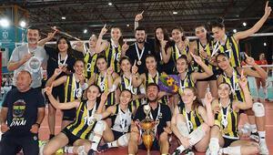 Fenerbahçenin yıldızı parlıyor Türkiye şampiyonluğu geldi...