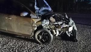 Tavasta iki otomobil çarpıştı: 1 ölü 1 yaralı