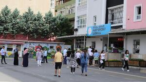 Esenlerde YKS öncesi öğrencilere çay ve çorba ikramı