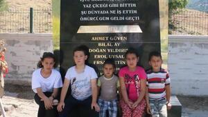Somada ölen madencilerin çocukları babalarının mezarlarını ziyaret etti