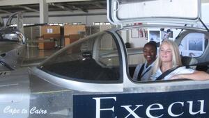 Lise öğrencilerinin 3 haftada monte ettiği uçak ilk seferini yaptı