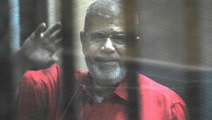 Son dakika: Muhammed Mursi, Kahirede defnedildi