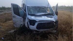 Aksarayda minibüs devrildi: 1 ölü, 2 yaralı