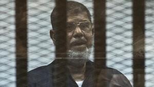 Mısır Mursiye yönelik tıbbi ihmal suçlamasını reddetti