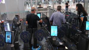 İstanbul Havalimanında Hızlı Pasaport Geçiş Sistemi başladı
