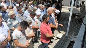 Manyasta Muhammed Mursi için gıyabi cenaze namazı