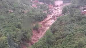 Trabzonda şiddetli yağış... Valilik açıklama yaptı: Bir kişinin cesedine ulaşıldı