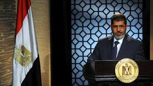 Mısır makamları Mursinin taziye merasimine izin vermedi