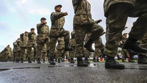 Son dakika: Yeni askerlik yasası salı gününe kaldı