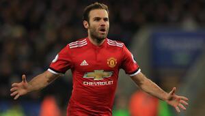 Juan Mata Manchesterda kaldı