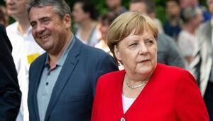 Merkel Irakta bağımsız Kürt devleti kurulmasına karşı