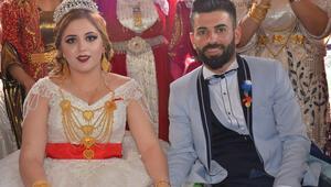 İstanbul'dan gelin gitti Düğünde bir kilo altın takıldı…