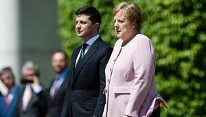 İngiliz doktor: Merkel susuzluktan titremedi
