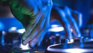 Antalya'da DJ'lik yaptım